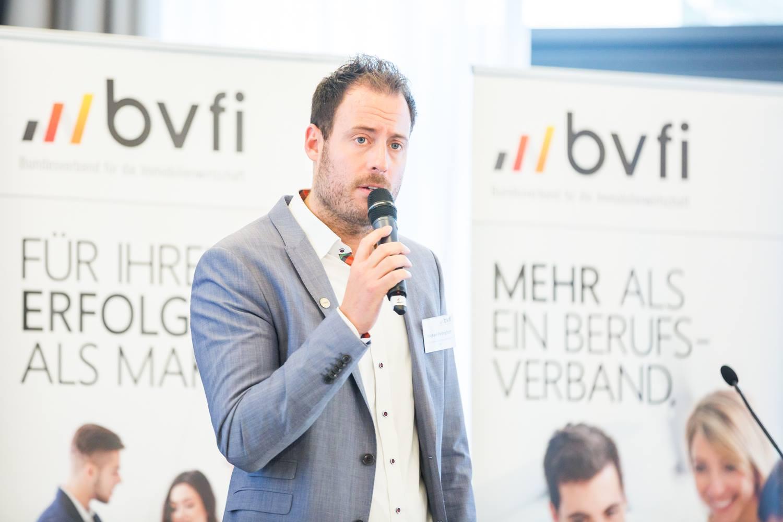 Herr Pellinghoff bei seinem Vortrag auf dem Bundeskongress in Frankfurt 2019