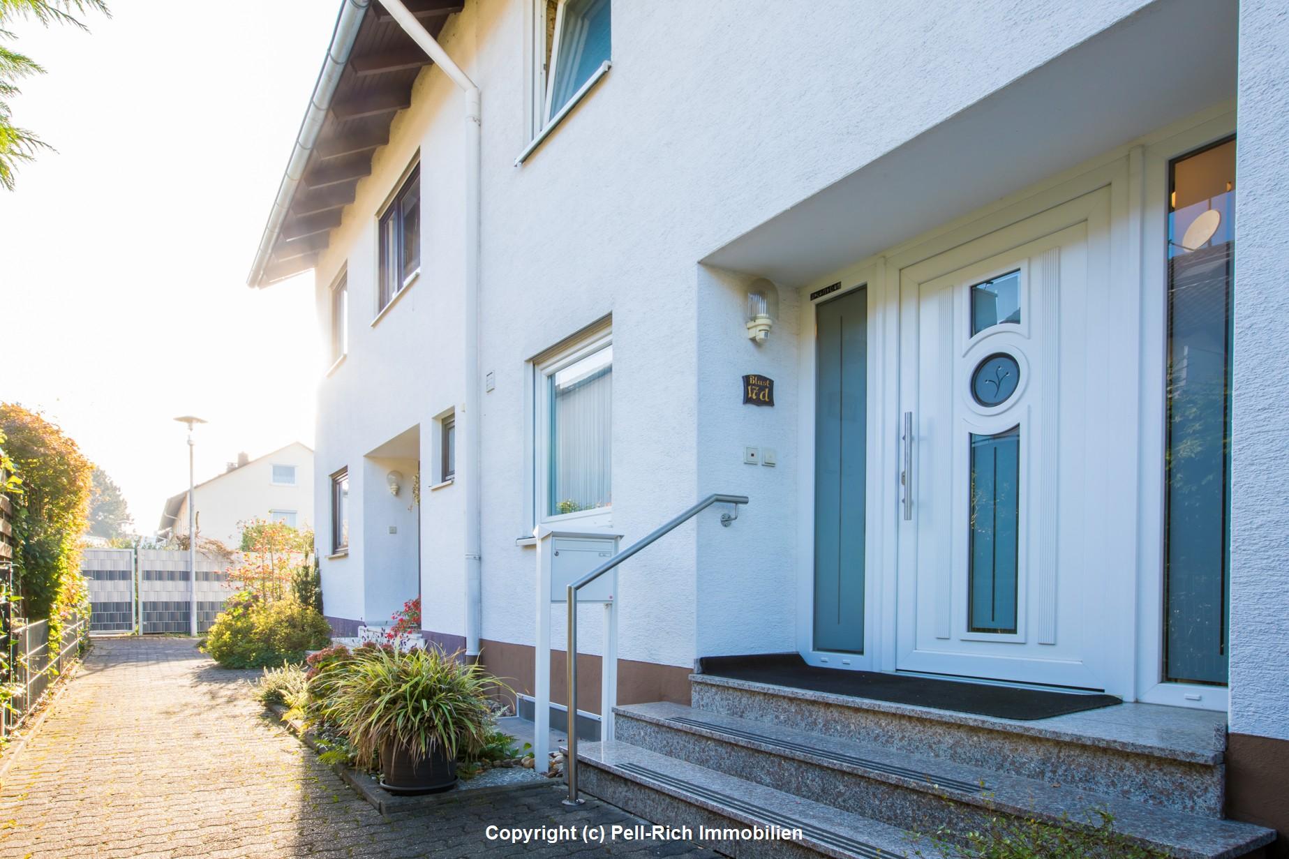 TANZT AUS DER REIHE: Gepflegtes Reihenmittelhaus in gefragter Wohnlage von Leopoldshafen