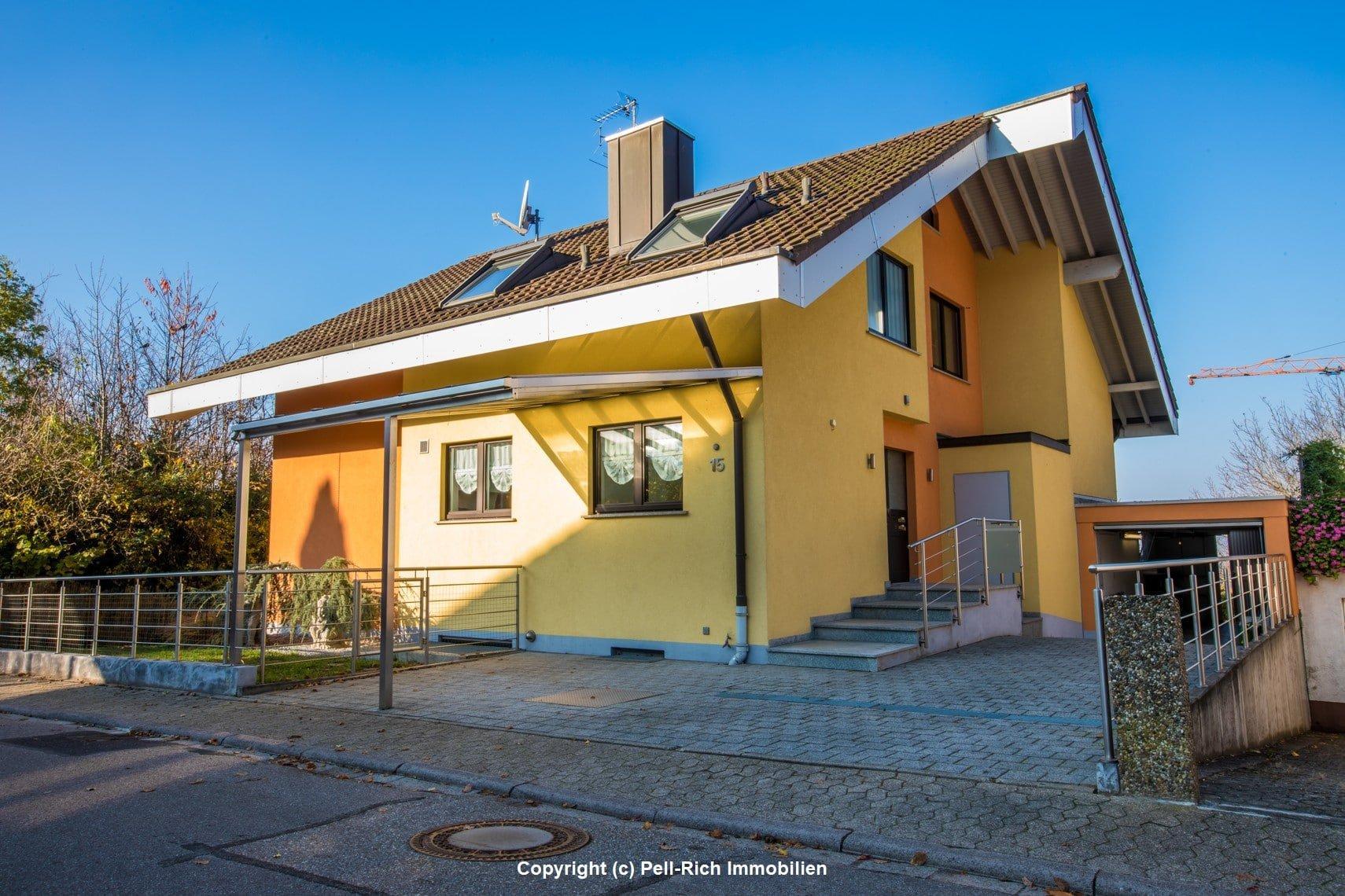 FAMILIENGLÜCK: Einfamilienhaus mit Einliegerwohnung und Top-Aussicht auf die Rheinebene