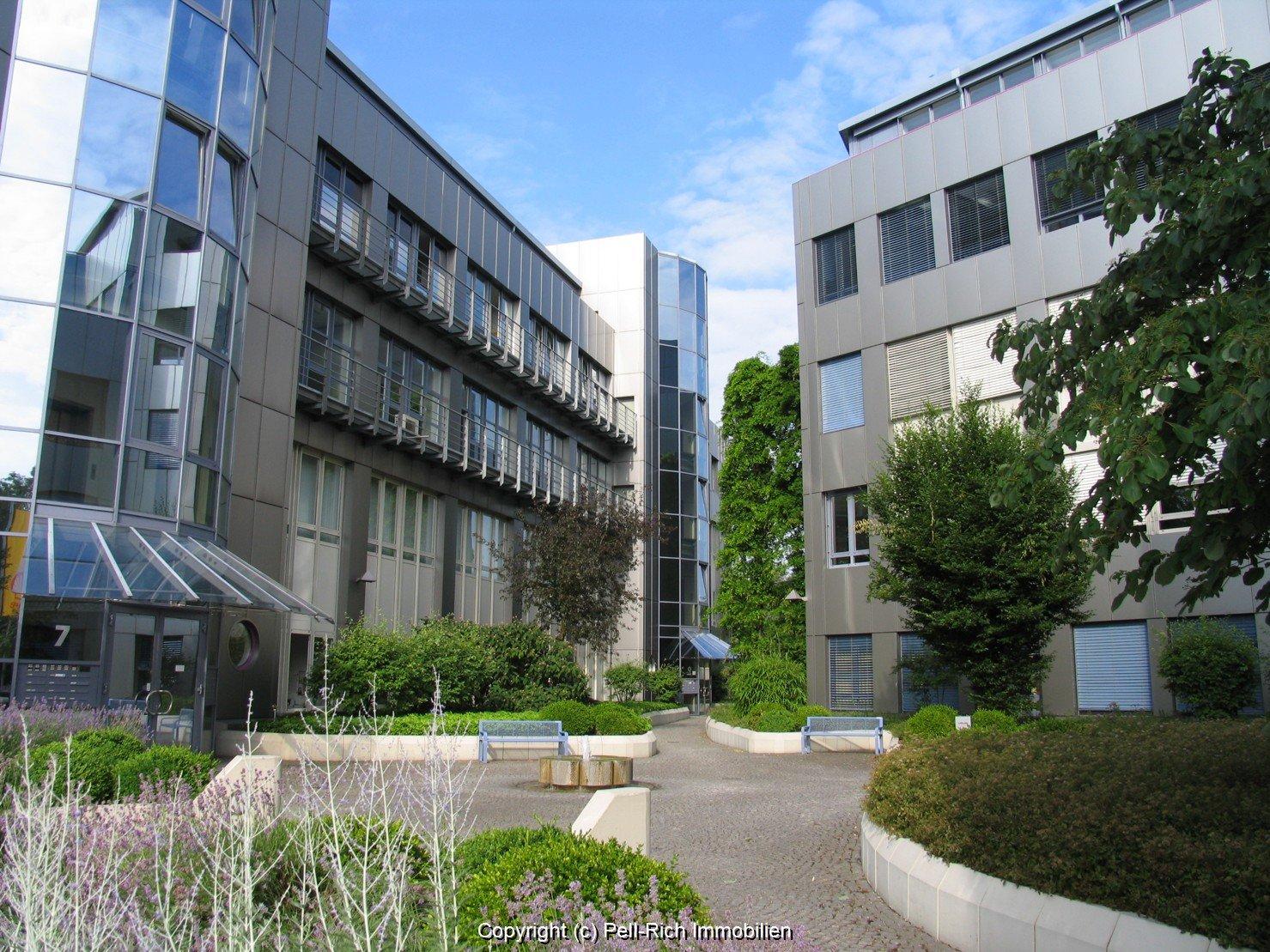 Representative ca. 332m² große Bürofläche im BC Ettlingen zu vermieten.