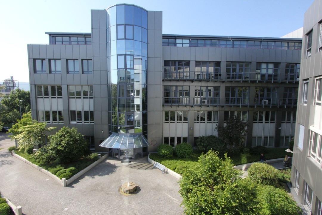 Ideal ausgestattete und ca. 368m² große Bürofläche in Ettlingen zu vermieten