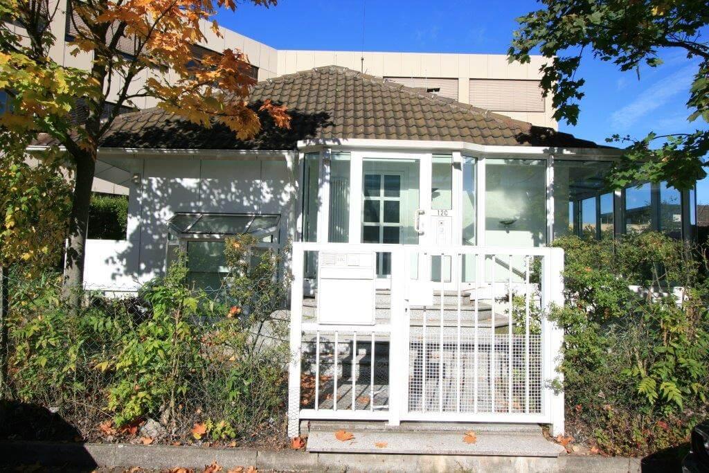 Freistehendes Büro/Praxishaus, KA-West, ca. 190m² mit ca. 700m² Garten