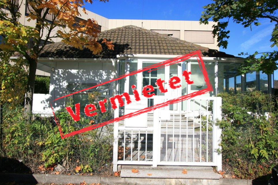 -derzeit vermietet- Freistehendes Büro/Praxishaus, KA-West, ca. 190m² mit ca. 700m² Garten