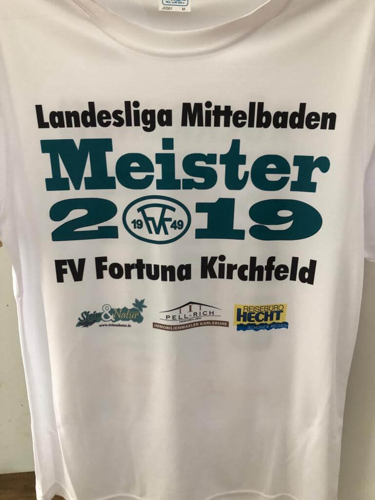 Bild: Meisterschaftshirts Fortuna Kirchfeld Aufstieg in Verbandsliga