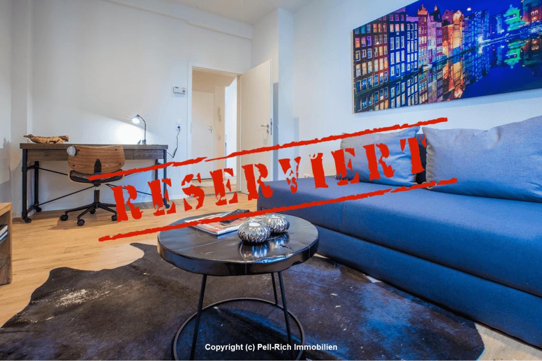 -derzeit reserviert- GEFRAGT: Renovierte & vollmöblierte 2-Zimmer Altbauwohnung mit Balkon sucht neuen Mieter!