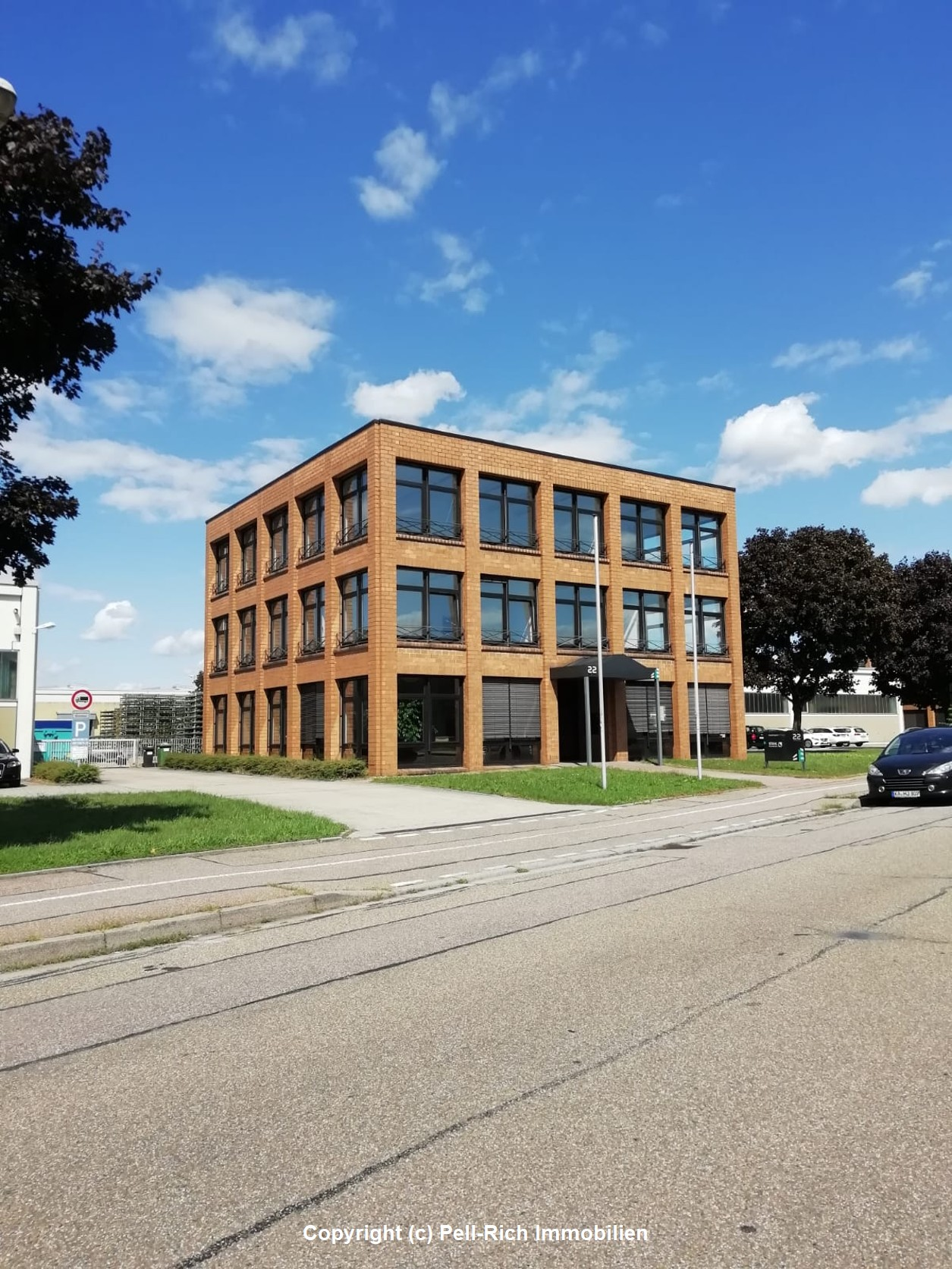 QUADRATISCH UND PRAKTISCH: Hervorragende Büroflächen in Ettlingen