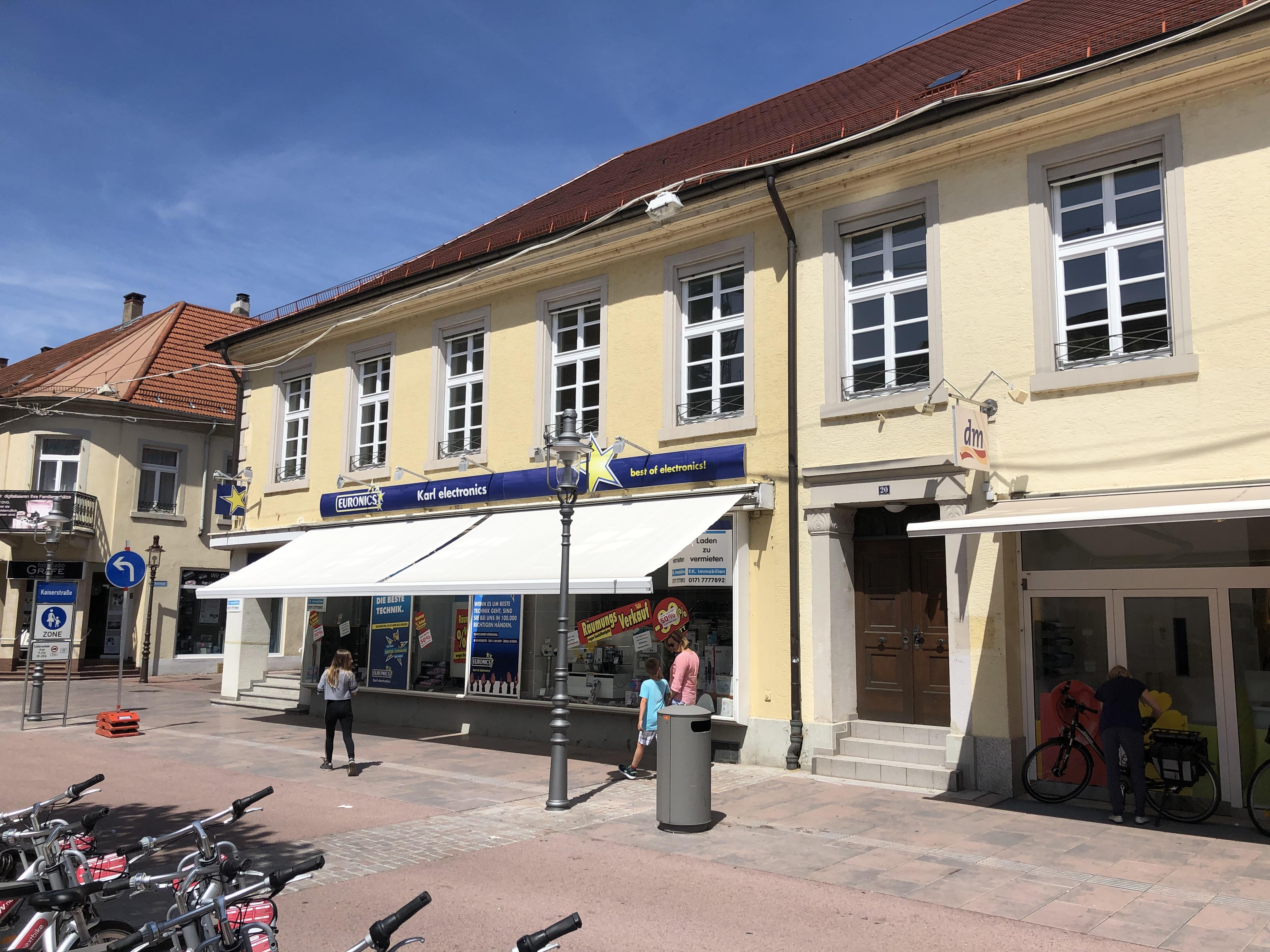 STARKE LAGE: Einzelhandelseckfläche mit Schaufensterfront im Herzen von Rastatt