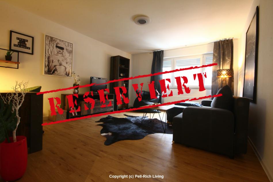 -derzeit reserviert- FLAIR: Vollmöblierte und renovierte Mietwohnung mit Balkon inkl. Internet und TV