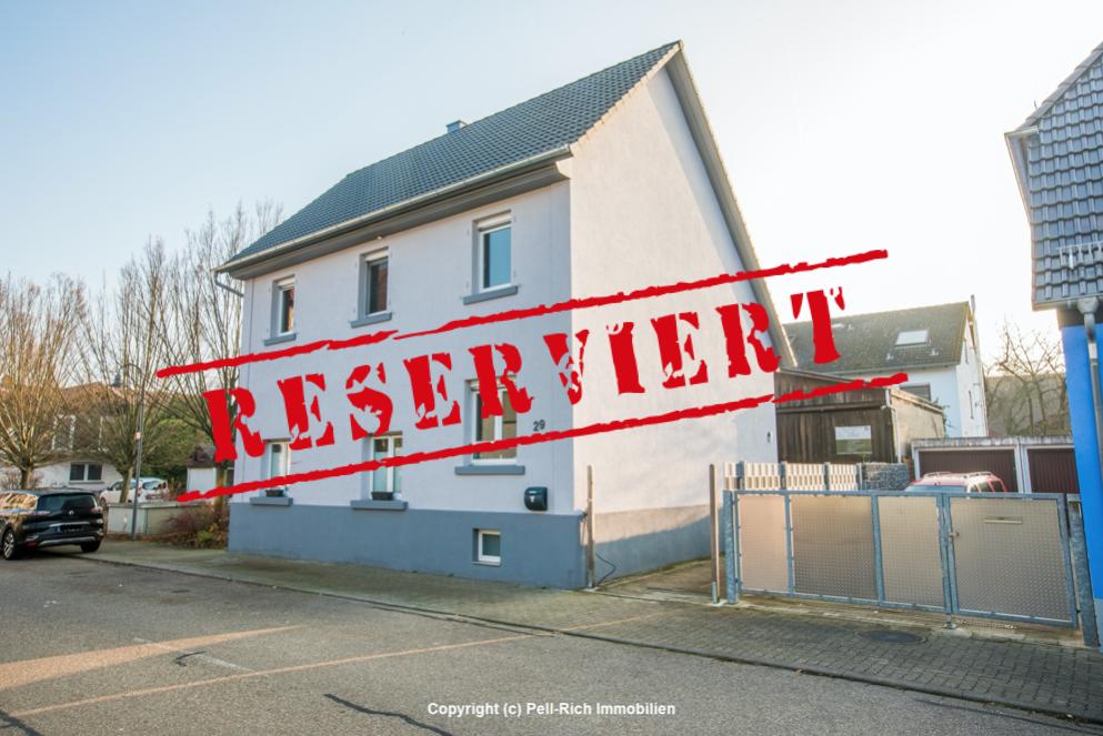 -derzeit reserviert- ALTBAUFLAIR: Freistehendes & 2012 saniertes Einfamilienhaus in Stutensee-Friedrichstal