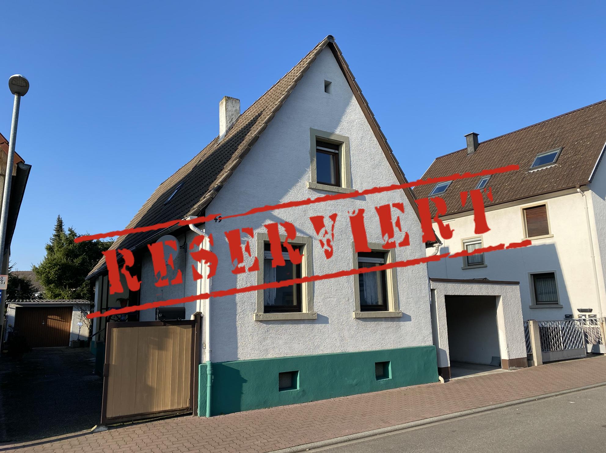 -derzeit reserviert- KÜSS MICH WACH: Sanierungsbedürftiges Einfamilienhaus in Eggenstein im Verkauf!