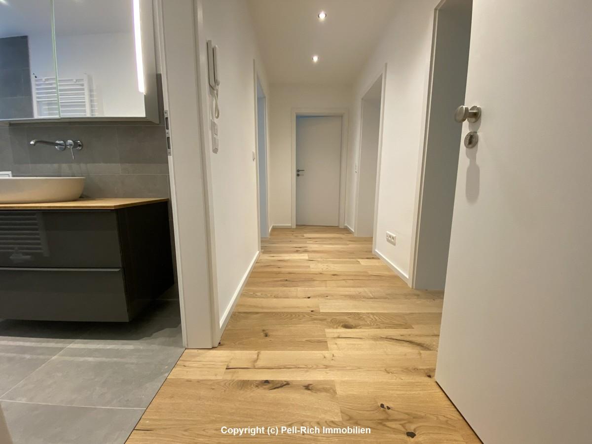 HEREINSPAZIERT: Kernsanierte & bezugsfreie Wohnung in der Karlsruher Waldstadt