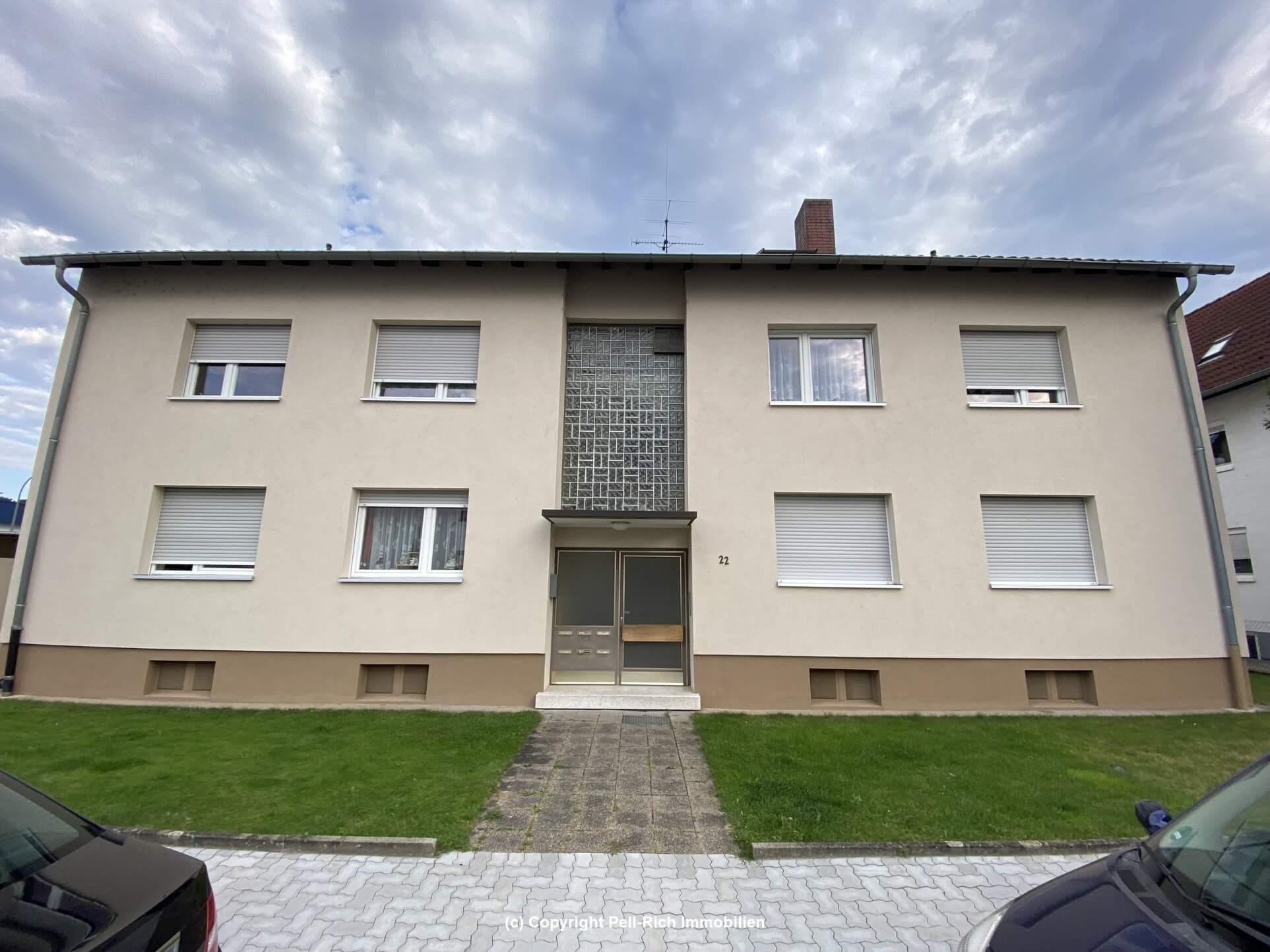 GLÜCKSTREFFER: Geräumige, helle Souterrain-Wohnung in Karlsruhe-Neureut